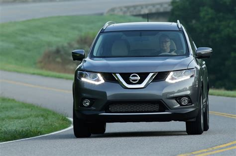 2016 nissan rogue 2016 nissan rogue reviews and rating motor trend