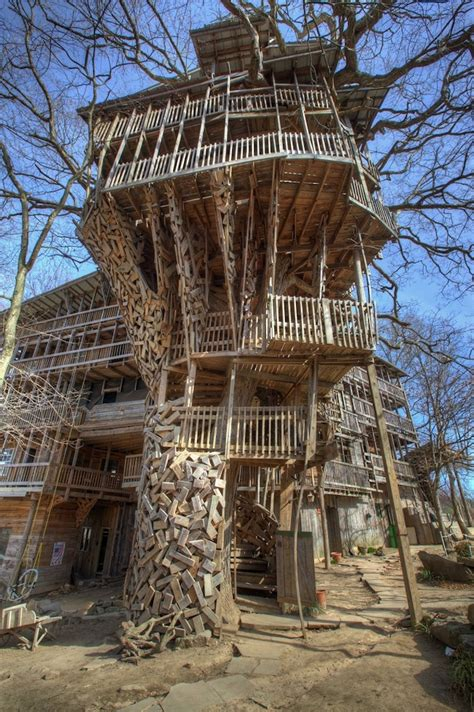 world s biggest tree house massive 80 room tree house stands almost 100 feet tall my modern met