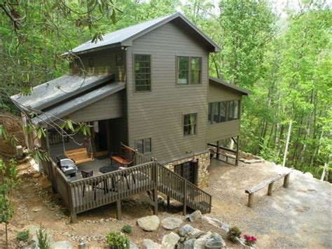Tiny House Cabin swinging beds on porch 3decks hot tub vrbo