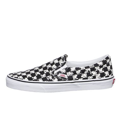 Sepatu Vans Slip On Snoopy vans x peanuts ua classic slip on snoopy checkerboard hhv de