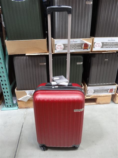 ricardo  superlight carry  spinner luggage