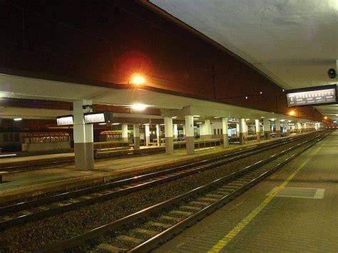pavia stazione stazione di voghera