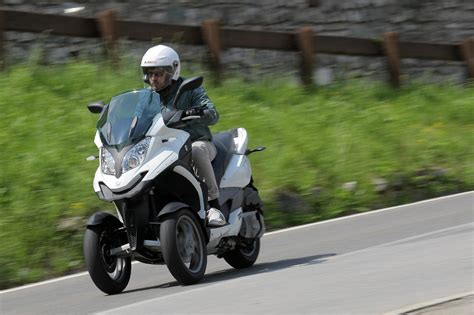 Dreirad Motorrad Roller by Schr 228 Ge Sache Der Dreirad Roller Quadro 350 S Magazin