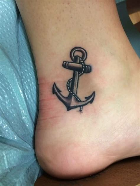 tatuaggio caviglia interna oltre 25 fantastiche idee su tatuaggi nella caviglia su