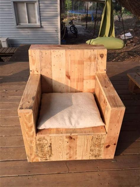 diy beefy pallet wood armchair  pallets
