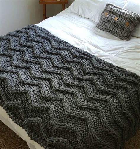 pictures of knitted blankets afghan knitting pattterns bulky yarn