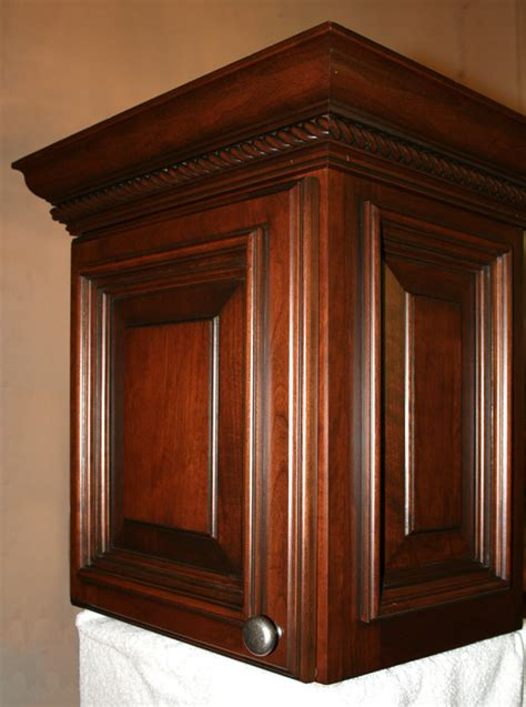 types of crown molding for kitchen cabinets crown moulding on kitchen cabinets rope crown molding