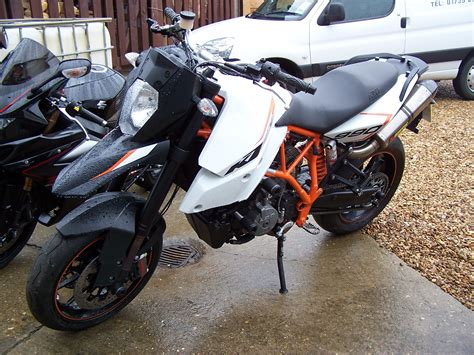 Ktm 990 Smr Exhaust Ktm Smr990 In For Ecu Re Map Fitted With A Fuel Akra