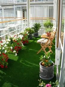 balkon garten kunstrasen auf balkon oder terrasse urbaner garten
