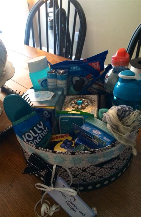 themed birthday gift baskets blue color themed gift basket gift ideas pinterest