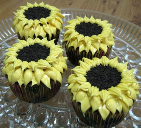 how to decorate cupcakes at home cupcake decorating ideas for any occasion