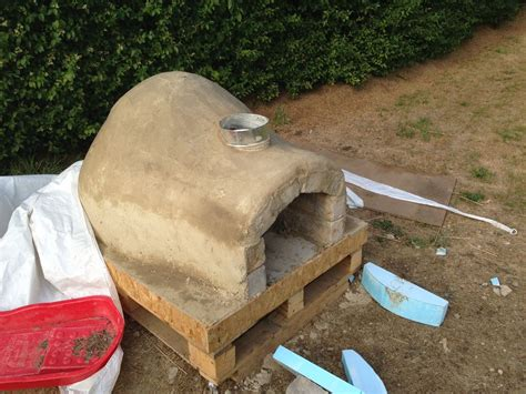 diy backyard pizza oven diy outdoor project pizza oven 23 icreatived