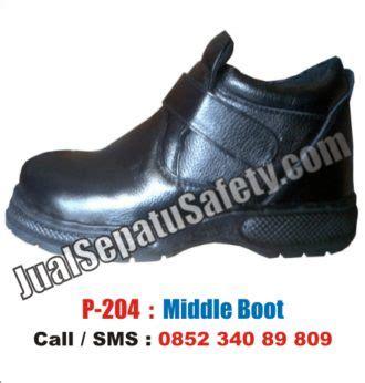 sepatu safety shoes untuk maintenance listrik pln gedung telkom jualsepatusafety