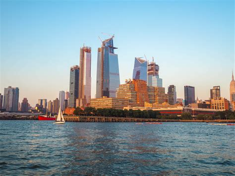 dinner boat cruise new york city luxury dinner cruise in new york with bateaux new york