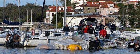 barco pirata vila do conde barco foi ao fundo na marina de vila do conde jornal