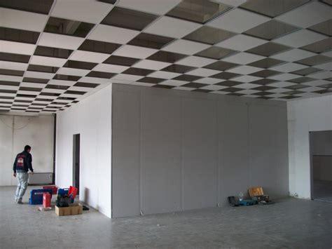 controsoffitto colorato beautiful soffitti modulari soffitti colorati nature