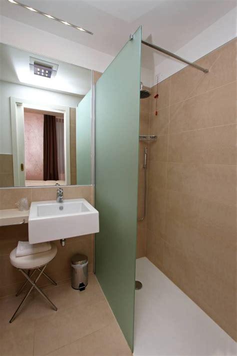 superiore Idee Arredo Bagno Moderno #2: arredare-un-bagno-piccolo.jpg