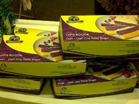 Loyang Kue Lapis Talas Khas Bogor kue lapis talas santapan legit khas bogor