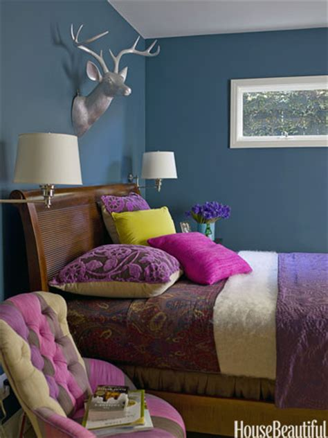 exuberant bedroom colors  match  mood style
