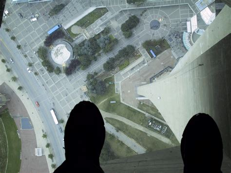 How Many Floors In The Cn Tower file glass floor of the cn tower jpg