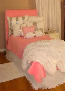 Shabby Chic Shams by 25 Best Ideas About Pink Bedding Set On Pinterest Pink