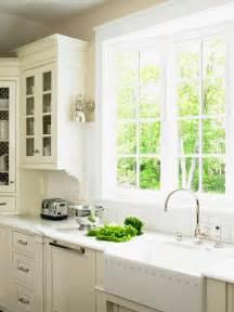 Kitchen window treatments ideas hgtv pictures amp tips kitchen ideas