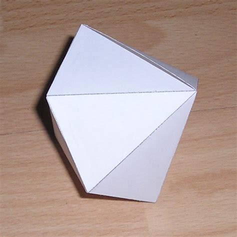 Paper Dodecahedron - paper models of dodecahedra polyhedra with 12 faces