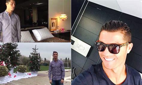cristiano ronaldo y su casa cristiano ronaldo invita a ver su casa por navidad