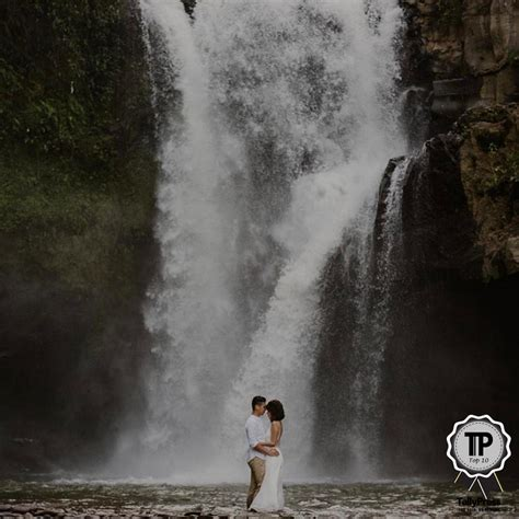 Top 10 Wedding Photographers by Top 10 Wedding Photographers In Singapore