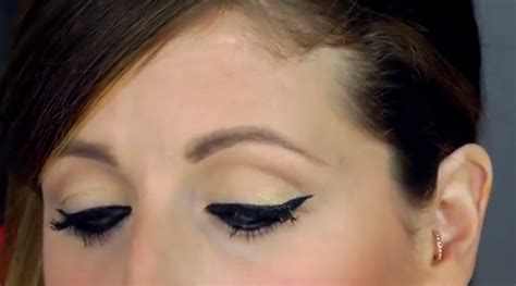 tutorial eyeliner clio make up estate 2015 beauty look eyeliner grafico di clio