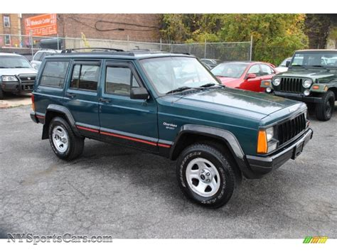 green jeep cherokee 1996 jeep cherokee sport 4wd in bright jade green 297319