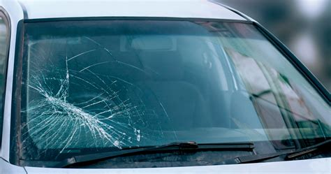 how to repair glass cracks safety and your auto glass auto glass plus