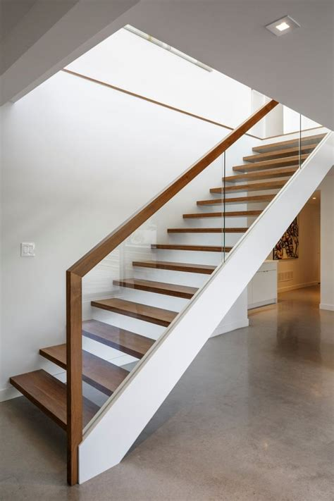 Wood And Glass Banister by 25 Best Ideas About Open Staircase On