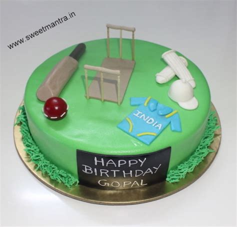 Handcrafted Cakes - handcrafted cricket theme small designer fondant cake