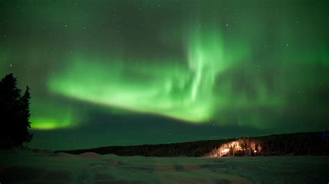 vacation packages to see northern lights northern lights over abisko 6 days 5 nights nordic visitor