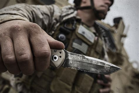 gerber downrange knife gerber propel downrange auto knife hiconsumption