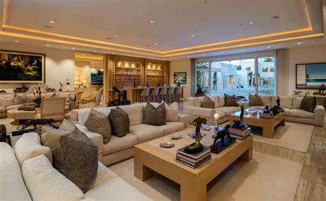 celebrity homes 10 stunning living rooms gorgeous celebrity living rooms sublipalawan style