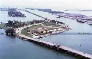 1975 the macarthur causeway bridge watson island
