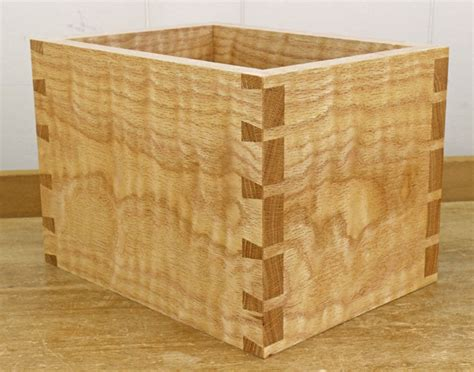 How To Dovetail Drawers by How To A Dovetail Joint