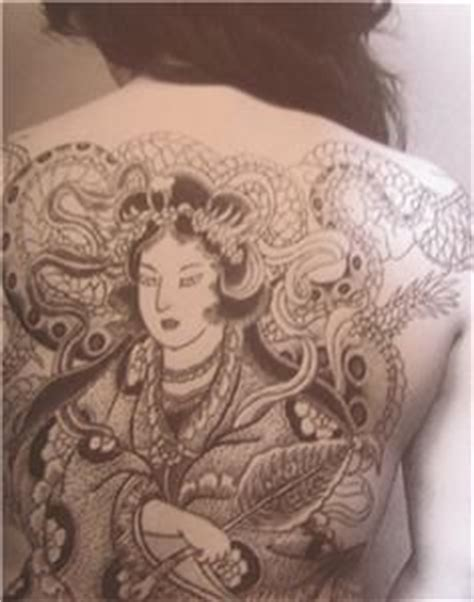 makna tattoo yakuza japanese tattoo irezumi woman wife yakuza photo book rare