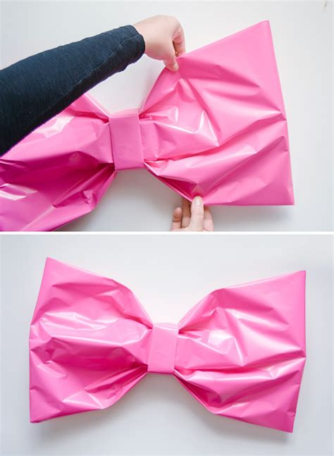 How To Make Bows Out Of Wrapping Paper - bow gift wrap diy