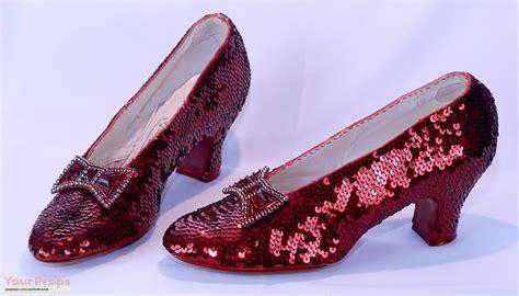 rubby slipper i ruby slippers by thewizardofozzy on deviantart