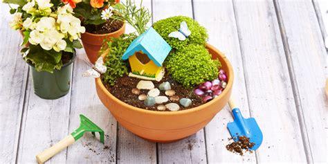 cara membuat bunga dari kertas metalik metode montessori pun bisa diterapkan di rumah properti