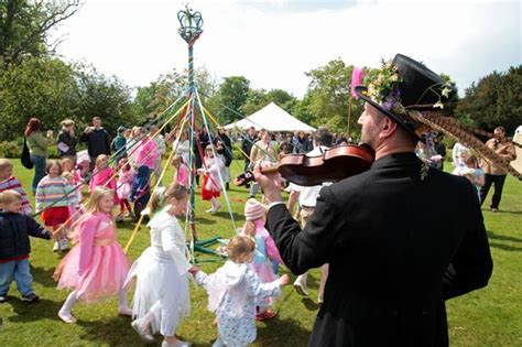 may day bank uk what is may day 2017 the meaning the traditions