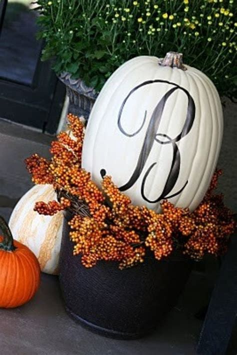 more fall decorating ideas 19 pics 70 cute and cozy fall and halloween porch d 233 cor ideas