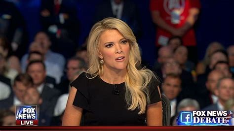 does fox news megyn have hair extensions donald trump hit by megyn kelly for calling women fat