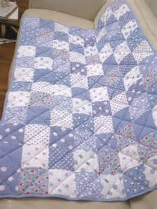 Patchwork Pattern - patchwork quilt detail quilting