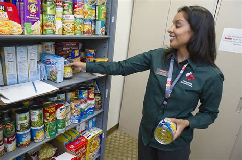 Food Pantries Open Today by Valencia Students Open Food Pantry To Help Their Fellow
