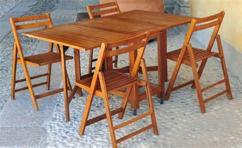 tavolo richiudibile con sedie tavolo e sedie da giardino in legno praiano arredo