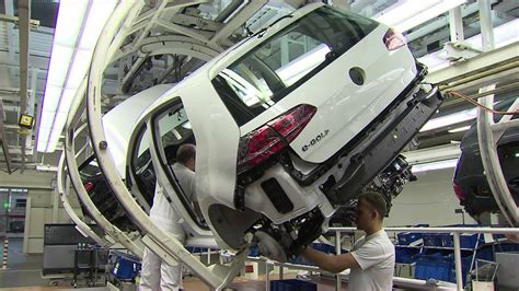 E Golf Autostadt by Volkswagen E Golf Production Wolfsburg Plant Youtube